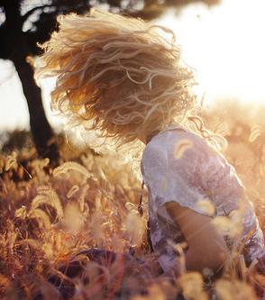 Regenerace poškozených vlasů. Přírodní barvení vlasů bez chemie.